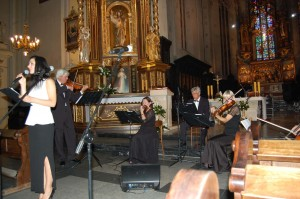 orkiestra pod dyr. marka czekaly podczas wystepu w przemyslu-1