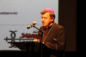 Arcybiskup Józef Kupny (1)