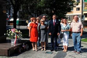 Solidarność złożyła kwiaty przy pomniku Jana Pawła II (2)