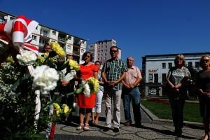 Solidarność złożyła kwiaty przy pomniku Jana Pawła II (3)