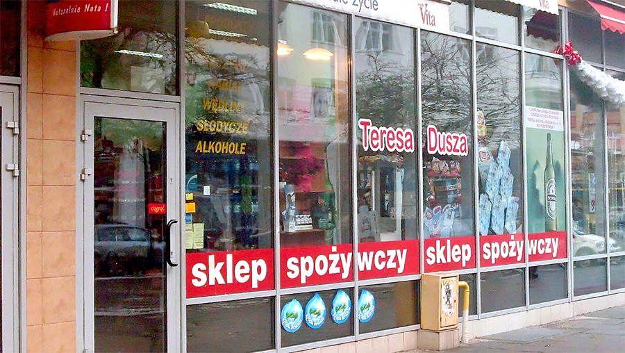 Małe sklepy tracą czy zyskują?