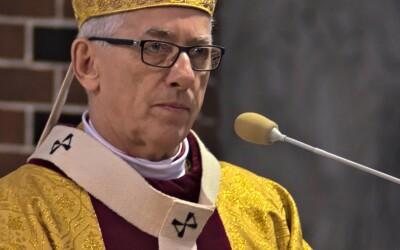 Abp Skworc o niedzielach niehandlowych: Umowy społecznej nie można podważać
